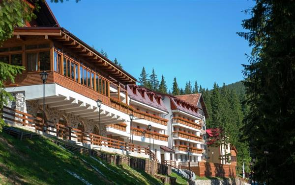 Cfakepath-Hohe_Rinne_Paltinis_Hotel_Spa-Sibiu-Aussenansicht-5-601216-369303