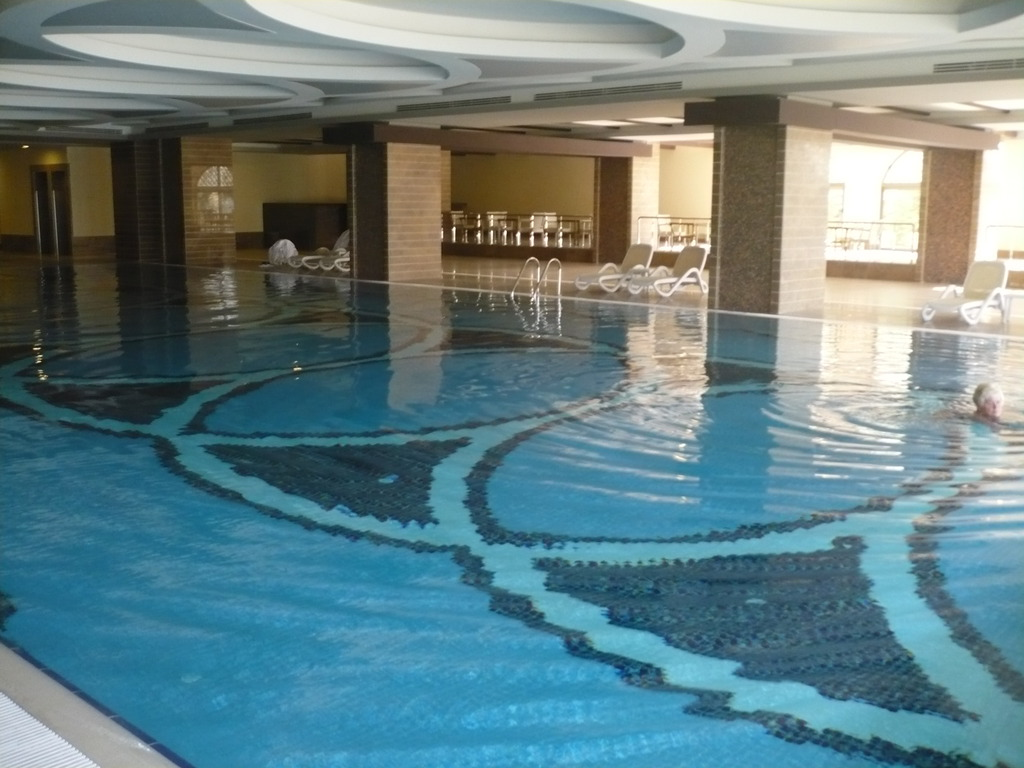 Hotel royal holiday palace 5 btt for Hotel cu piscina